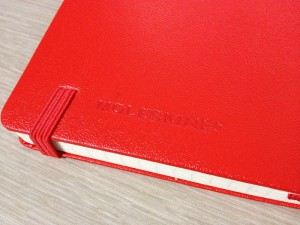 紅くて堅い!Moleskine Square Pocket, Hard Red